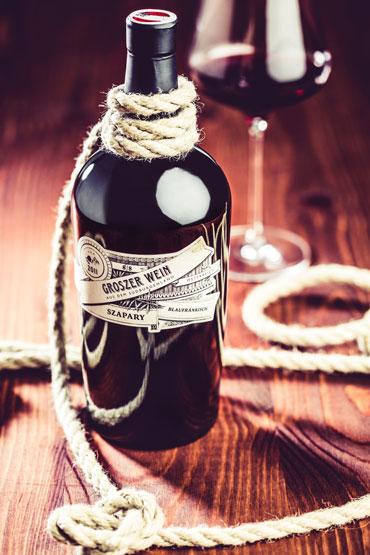 groszer-rotweinflasche
