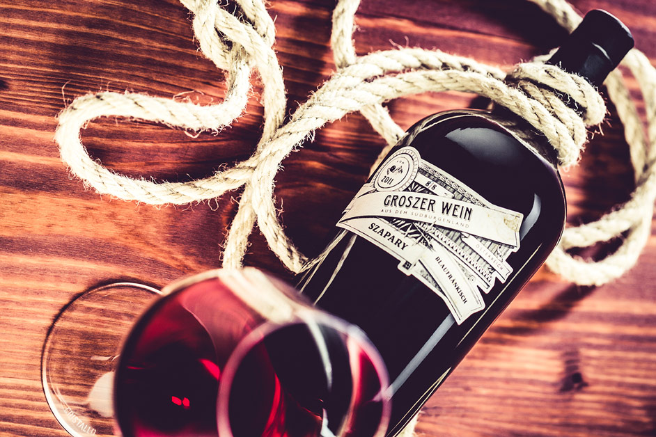 groszer-rotweinflasche-glas