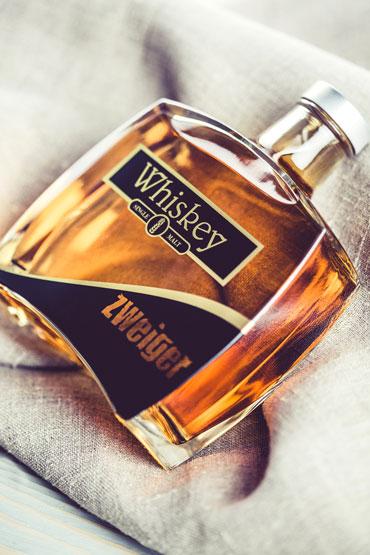 zweiger-whiskyflasche